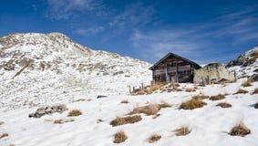 Hutte de montagne Photographie stock