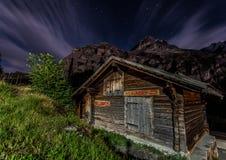 Hutte de montagne Photos libres de droits