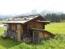 Hutte de montagne en montagne de Pana Images libres de droits