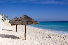 Hutte de plage Photos libres de droits