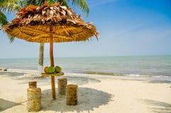 Hutte par la plage Livingston Guatemala Images libres de droits