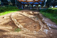 Hutte préhistorique dans le site archéologique de Milazzo Image libre de droits