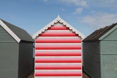 Hutte rouge rayée de plage Photo stock