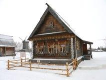 Hutte russe de logarithme naturel Image stock