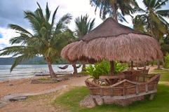 Hutte tropicale de plage Photographie stock libre de droits