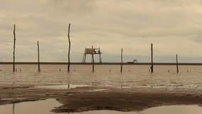 Hutten van vissers op zee stock footage