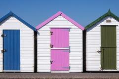 Huttes colorées de plage Photo stock