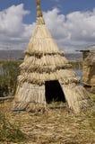Huttes dans le lac Titicaca Images libres de droits
