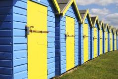 Huttes de plage chez Bognor REGIS. Le Sussex. l'Angleterre image stock