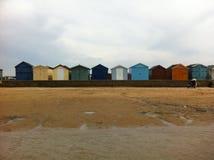 Huttes de plage de bord de la mer Images libres de droits