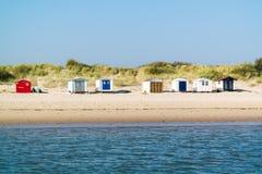Huttes de plage sur l'île de Texel, Pays-Bas photographie stock libre de droits