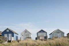 Huttes de plage sur le banc de sable de Mudeford photographie stock libre de droits