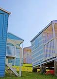 Huttes de plage sur le bord de mer Image stock