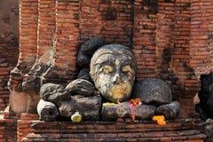 Huvud av Buddha på Wat Worachet Temple Royaltyfria Bilder