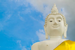 Huvud av Lord Buddha, huvud av den stora Buddha på berget i Thail Arkivbild