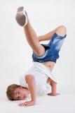 huvud för b-pojkefrysning hans teen standing Royaltyfria Bilder