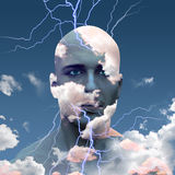 Huvud i moln Arkivfoton