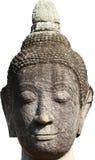 Huvud och framsida av den forntida bergsgrå buddha statyn som isoleras på vit bakgrund, konstskulptur Royaltyfria Bilder