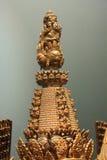 Huvudbonaden med många vänder mot Skulptur av den Sitatapatra closeupen arkivfoton