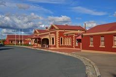 Huvudbyggnad av den Goulburn järnvägsstationen Arkivbild