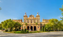 Huvudbyggnad av Plaza de Espana, ett arkitekturkomplex i Seville - Spanien arkivbilder
