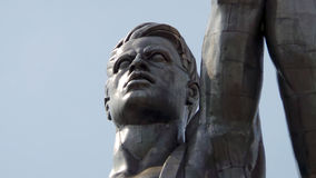 Huvudet av diagramet av arbetaren från den berömda sovjetiska skulpturarbetaren och kolchoskvinnan moscow russia Royaltyfria Foton