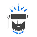 Huvudet av en man med ett skägg som spelar en virtuell verklighethjälm Royaltyfri Foto