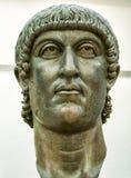 Huvudet av statyn av Constantine i Rome Arkivbild