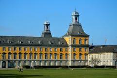 Huvudsaklig byggnad av den Bonn universitetar Arkivbild