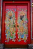 Huvudsaklig dörr på den kinesiska templet i Kuala Lumpur, Malaysia Arkivbild