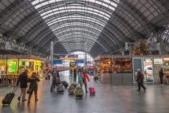 Huvudsaklig drevstation i den Frankfurt strömförsörjningen Arkivbild