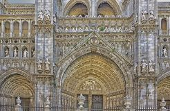 Huvudsaklig fasad St Mary av den Toledo domkyrkan, España arkivbilder