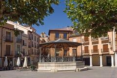 Huvudsaklig fyrkant av Aranda de Duero, Burgos landskap, Spanien fotografering för bildbyråer