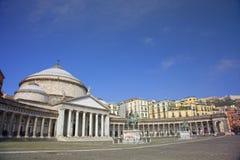 Huvudsaklig fyrkant av staden av Napoli, Naples, Italien Royaltyfria Bilder