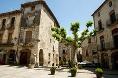 Huvudsaklig fyrkant - Besalu - Spanien royaltyfri bild