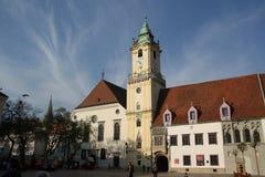 Huvudsaklig fyrkant i Bratislava (Slovakien) Royaltyfri Fotografi