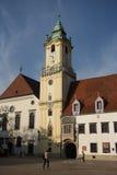 Huvudsaklig fyrkant i Bratislava (Slovakien) Arkivfoto