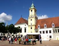 Huvudsaklig fyrkant i Bratislava (Slovakien) Royaltyfri Foto