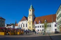 Huvudsaklig fyrkant i Bratislava, Slovakien Fotografering för Bildbyråer