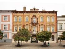 Huvudsaklig fyrkant i Kosice slovakia royaltyfri bild