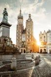 Huvudsaklig fyrkant i Krakow, Polen arkivbild