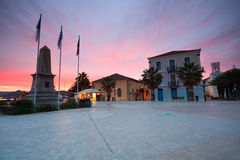 Huvudsaklig fyrkant i Nafplio, Grekland royaltyfria foton