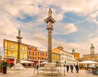 Huvudsaklig fyrkant i Ravenna i Italien royaltyfri bild