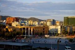 Huvudsaklig fyrkant i Tirana arkivbild