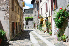 Huvudsaklig gata av Compiano Arkivbilder