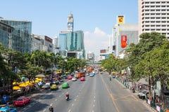 Huvudsaklig gata i Bangkok Royaltyfria Bilder