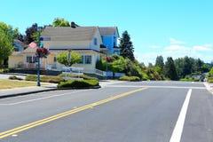 Huvudsaklig gata i den historiska staden Steilacoom Royaltyfria Foton