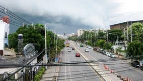 Huvudsaklig gata i Hua Hin Arkivfoto