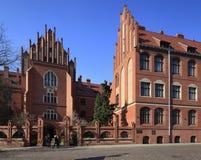 Huvudsaklig historisk byggnad för Mikolaj Copernicus universitet i Torun, Polen Royaltyfri Foto