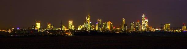 Huvudsaklig horisont av Frankfurt - förmiddag - Royaltyfri Fotografi